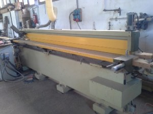 Used chisel mortiser for shutter at cn 1 head and 3 controlled axis