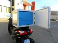 Special isothermal box for scooters and motorcycles