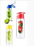 Sj32-TRITAN material fruit infuser water bottle with easy carry lid BPA free 700ML