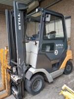 """Chariot élévateur Hybrid diesel et électrique """"STILL R70-45""""."""