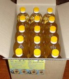 Refined sunflower oil in 1 liter pet bottles
